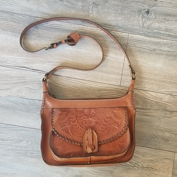Patricia Nash Handbags - Patricia Nash Brown Leather Saddle Purse